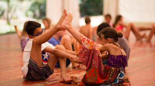 niños-yoga